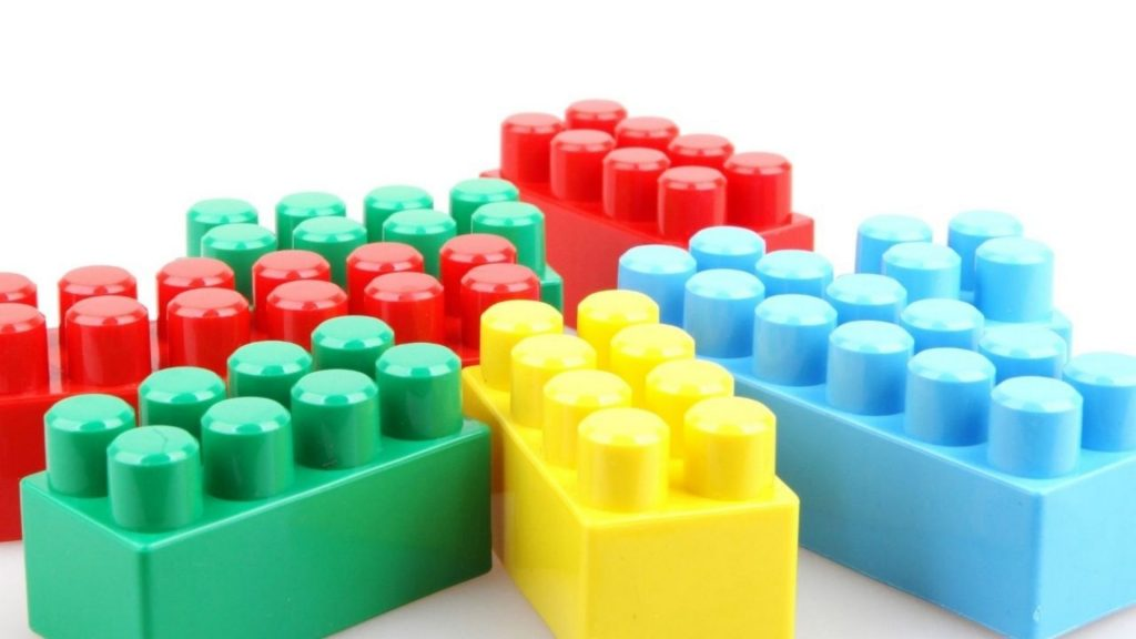 Red green and yellow legos